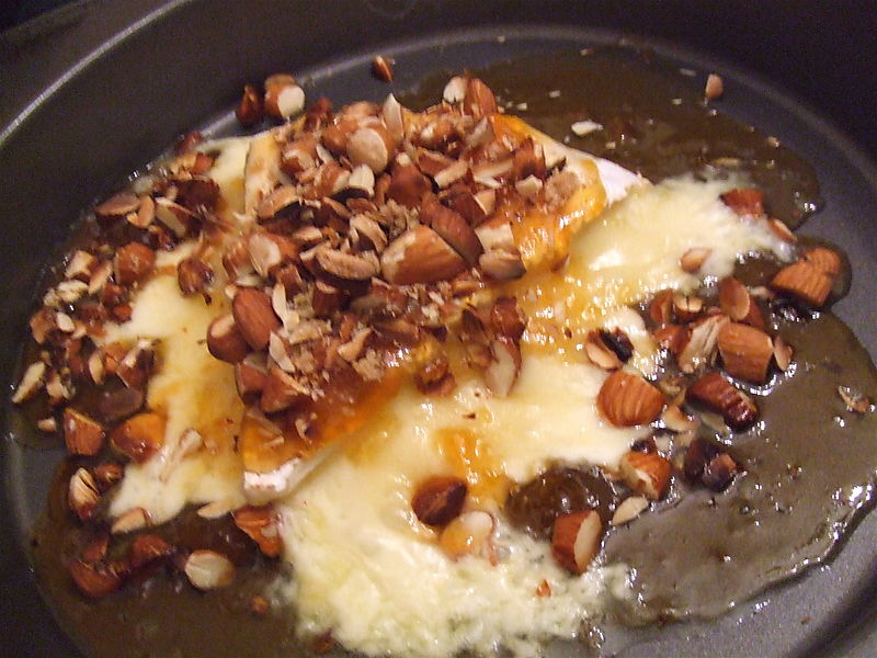 Brie with apricot jam and almonds