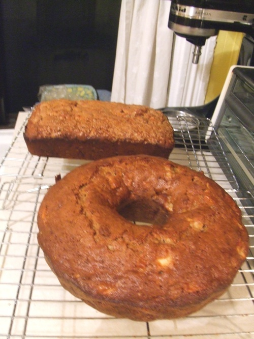 Bundt cake and banana bread