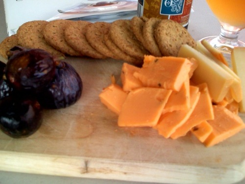 Figs_cheese_crackers